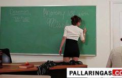 O Profesoara Ce Se Fute Cu Toti Elevi Ei Xxx