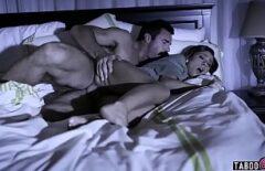 Filme Porno Masaj La Femei O Fute Amantul Cand Doarme